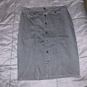Banana Republic Size 8 Grey Jean Skirt